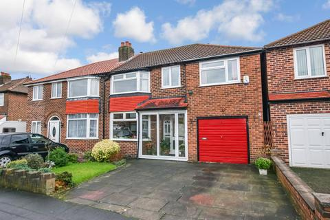 4 bedroom semi-detached house for sale - Ashlands Road, Timperley, Cheshire, WA15