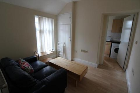 2 bedroom terraced house to rent - Keppoch Street, , Cardiff