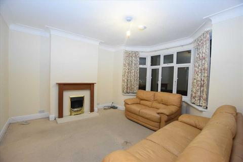 4 bedroom semi-detached house to rent - Ravenscroft Avenue, Wembley