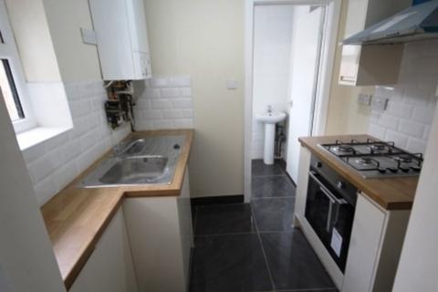 1 bedroom flat to rent - Wood Street