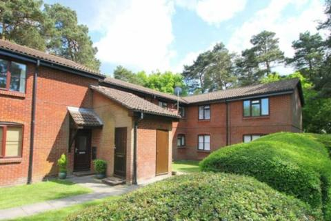 1 bedroom flat to rent - Habershon Drive, Frimley