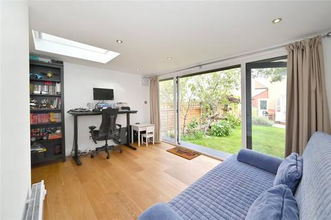2 bedroom terraced house to rent - Manchester Grove, London