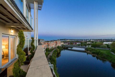 2 bedroom penthouse to rent - Bordeaux House, Penstone Court, Century Wharf