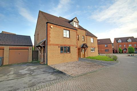 3 bedroom semi-detached house for sale - Lea Close, Blunsdon St Andrew, Swindon, SN25
