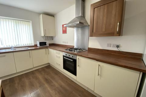 6 bedroom terraced house to rent - Latimer Street, Leicester