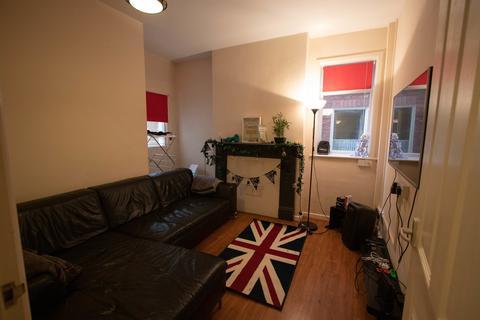 5 bedroom semi-detached house to rent - Rolleston Drive, Lenton