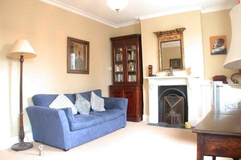 3 bedroom property to rent - St Philip Street, London, SW8