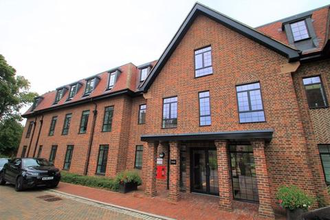 2 bedroom flat to rent - Hampstead Reach, Chandos Way, Hampstead Garden Suburb, London, NW11 7HP