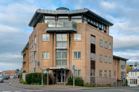 3 bedroom flat for sale - Claremont Quays, Station Approach, Seaford, East Sussex, BN25 2AW