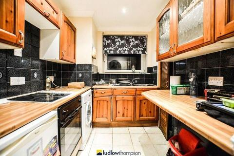 1 bedroom flat to rent - Poplar High Street, London E14