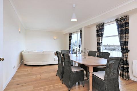 3 bedroom flat to rent - Mauretania Building, Jardine Road, Wapping, London, E1W