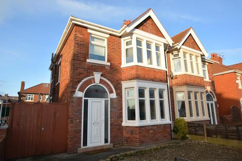 3 bedroom semi-detached house to rent - St Martins Road, Blackpool, Lancashire, FY4 2DT