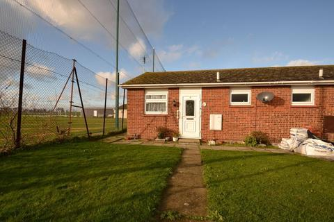 1 bedroom bungalow for sale - Echo Walk, Minster