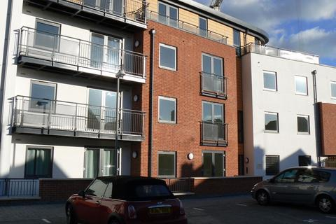 2 bedroom flat to rent - Southern Road, Camberley, GU15