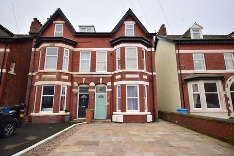 2 bedroom apartment for sale - Lightburne Avenue, Lytham St Annes, FY8