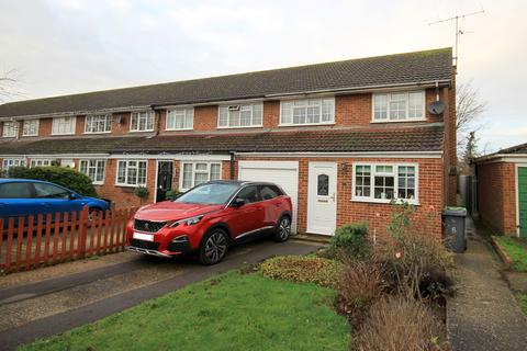 3 bedroom end of terrace house for sale - Newlands Road, Westoning, MK45