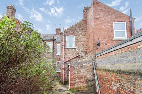 2 bedroom terraced house for sale - Poppleton Road, York