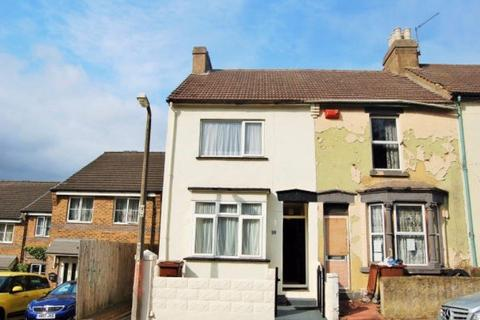 4 bedroom house share to rent - Wyles Street, Gillingham, ME7