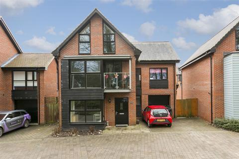 5 bedroom detached house for sale - Beadsman Crescent, Leybourne, West Malling