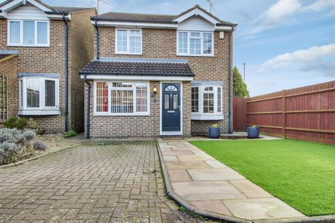 3 bedroom detached house for sale - Foxes Close, Hertford