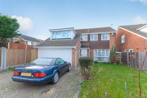 4 bedroom detached house for sale - Moor End, Maidenhead
