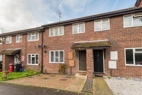 3 bedroom semi-detached house for sale - Avebury, Cippenham