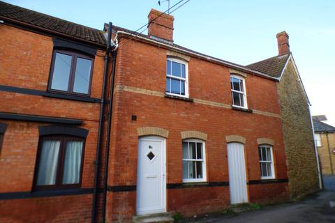 2 bedroom flat to rent - The Triangle , Castle Cary,