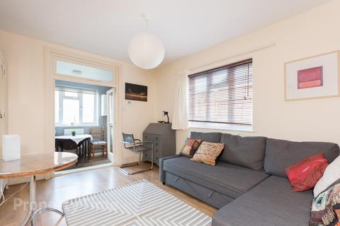 Studio to rent - Muswell Hill Road, Muswell Hill