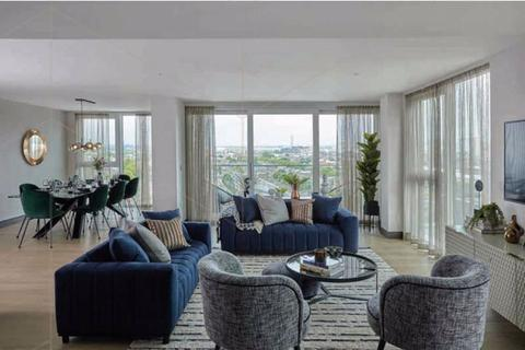 2 bedroom flat for sale - St George Wharf, Vauxhall