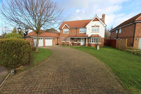 4 bedroom detached house for sale - Court Tree Drive, Eastchurch, Sheerness