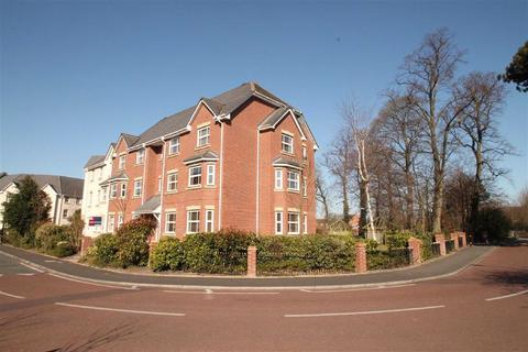 2 bedroom flat to rent - Kentmere Road, Timperley