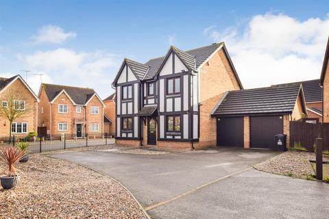 4 bedroom detached house for sale - Temple Way, Heybridge