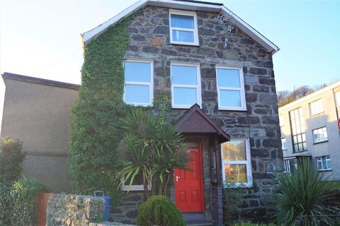 3 bedroom semi-detached house to rent - North Street, Pwllheli