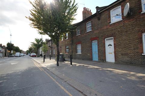 3 bedroom house for sale - Old Oak Lane, London NW10 6UB