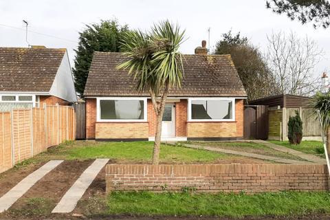2 bedroom detached bungalow for sale - Lower Herne Road, Herne Bay