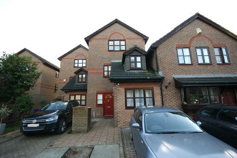 5 bedroom semi-detached house to rent - Bartlett Close, E14