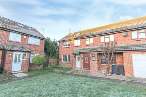 4 bedroom semi-detached house to rent - Henley Deane, Gravesend