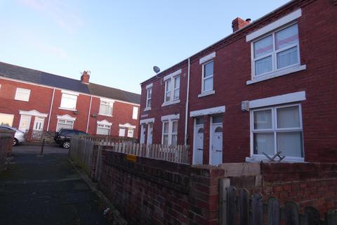 3 bedroom flat for sale - Queen Street, Ashington, Northumberland, NE63 9HS