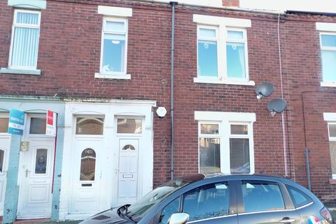 2 bedroom ground floor flat for sale - Revesby Street, West Park, South Shields, Tyne and Wear, NE33 4SY