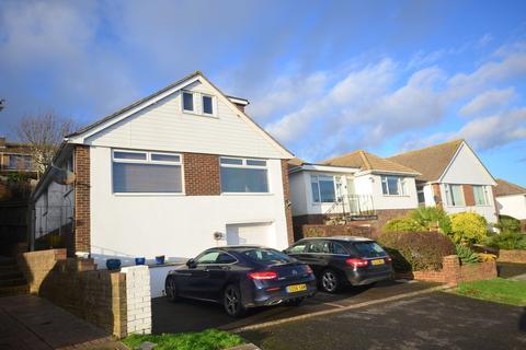 4 bedroom detached bungalow to rent - Winton Avenue Saltdean BN2