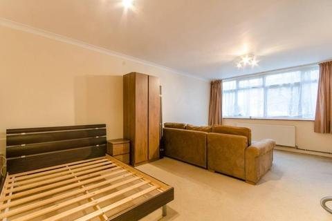 Studio to rent - Crouch End, London, N8