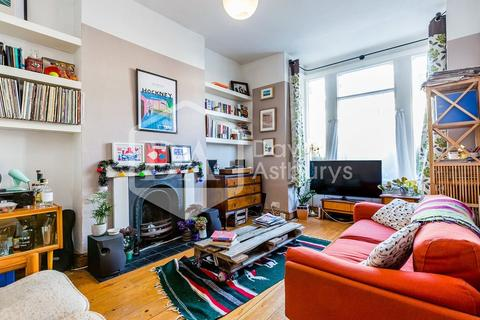 2 bedroom apartment to rent - Raleigh Road, Crouch End, London