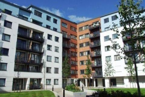 2 bedroom flat to rent - The Courtyard, Camberley, GU15
