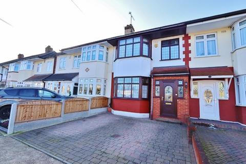 3 bedroom terraced house for sale - Heather Avenue, Romford, RM1