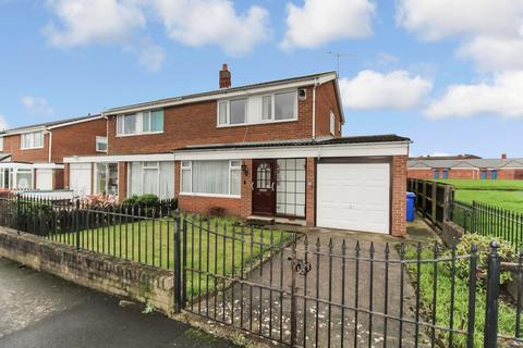 3 bedroom semi-detached house for sale - Kielder Close, Blyth