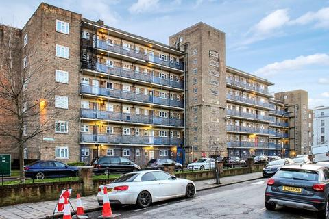 2 bedroom apartment for sale - Loddiges Road, London