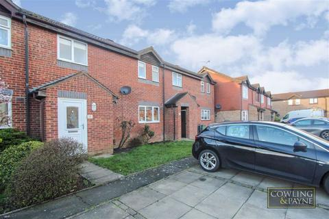 2 bedroom terraced house for sale - Uxbridge Close, Wickford, Essex