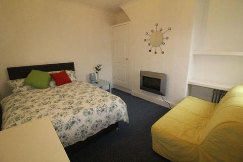 4 bedroom house share to rent - Room Available on Derby Lane, Liverpool