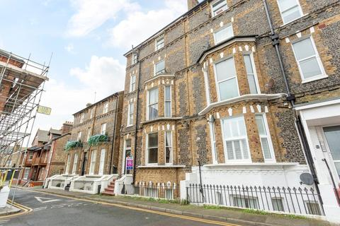 2 bedroom flat for sale - Chandos Square, Broadstairs