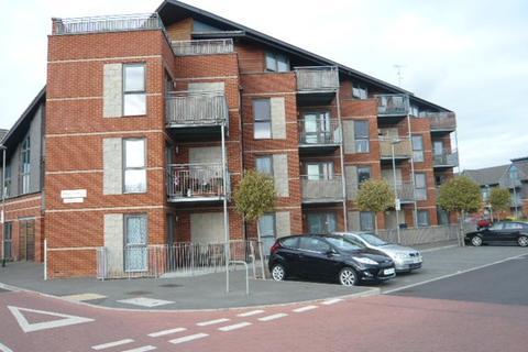 1 bedroom flat to rent - Lewin Terrace, Bedfont